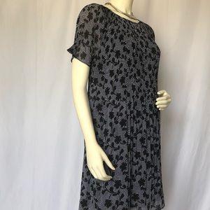 Michael Kors Dresses - Black and White Pleated Flower Dress